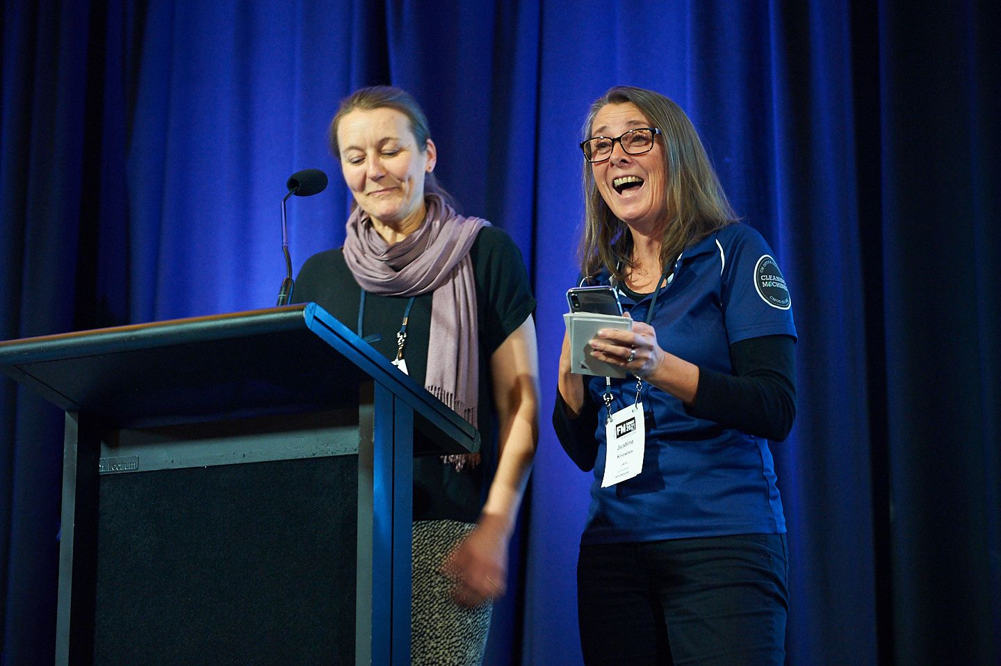 Marjolein and Justine presenting the award